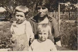 Hobert Risley, Nola Smith Risley and Joy Risley Fountain | Vintage  photographs, Couple photos, Family tree