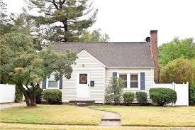 22 chester dr manchester ct 06040