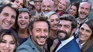 A casa tutti bene - Film (2018) - MYmovies.it