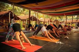 10 best budget yoga retreats in india