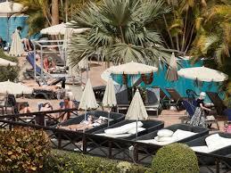Inside locked-down coronavirus Tenerife hotel with guests wearing ...