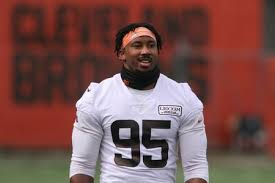 Myles Garrett misses 1st day in pads but expected back soon; G Ron Leary  leaves without a contract; Alex Van Pelt calling plays in practice -  cleveland.com