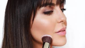 contour a round face to look thinner