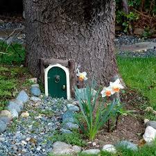 tree stump fairy garden ideas