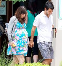 Zooey and Jacob called it Quits after a marriage of 4 years!