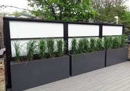 Pin By Topiarius On Sichtschutz Terrasse In 2020 Privacy Fence Landscaping Backyard Privacy Fence Landscaping
