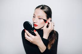 9 best makeup tricks from reddit the