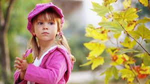 صور اطفال يحملون ورد