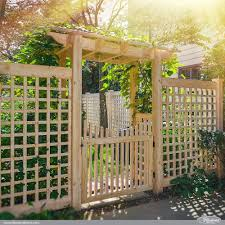 42 Vinyl Fence Home Decor Ideas For Your Yard Illusions Fence Lattice Garden Lattice Fence Pergola