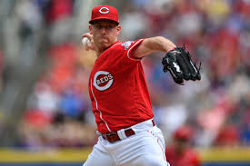Anthony DeSclafani pitches well, hits better as Reds trounce Cubs ...