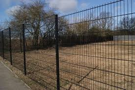 China Euro Fence Euro Panel Fence Wire Mesh Lowes Chicken Wire Mesh Fence China Not Easy To Climb Impact Resistance