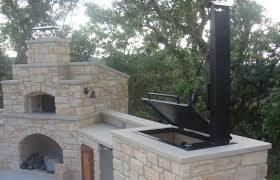 hill country outdoor kitchen features