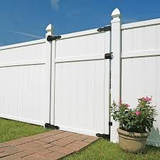 Freedom 6 Ft H X 0 25 Ft W White Vinyl Fence Gate In The Vinyl Fence Gates Department At Lowes Com