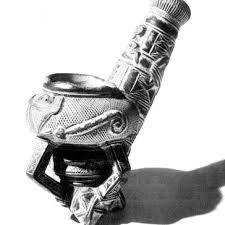 Ashanti Pipe showing a sankofa bird (right side of stem) turning its...    Download Scientific Diagram
