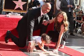 dwayne johnson wraps up 2017 with the