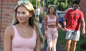 Love Island's Molly Smith and Callum Jones look smitten as they hold hands  while enjoying a walk | Daily Mail Online