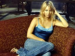 Kaley Cuoco Blue Sitting Aarti Mann Melissa Rauch Photographie par ...