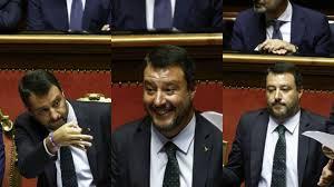 Le espressioni facciali di Salvini durante il discorso di Conte