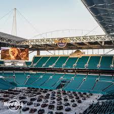 Daniel Castiel - Help Desk Coordinator - Miami Dolphins and Hard Rock  Stadium | LinkedIn
