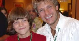 The great and talented Vic Mignogna (Edward elric) with a young ...