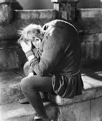 CHARLES LAUGHTON in THE HUNCHBACK OF NOTRE DAME ...