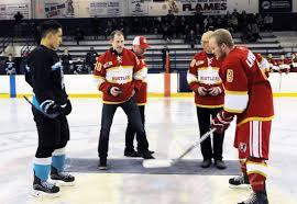 Hockey superstar drops puck for RMMHA 50th anniversary – Maple Ridge News