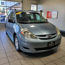 used 2010 toyota sienna at
