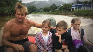 Surfer Laird Hamilton helps rescue family stranded by Hawaii ...