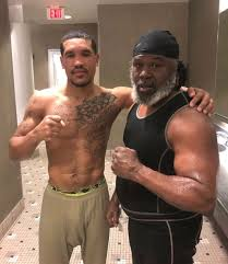 """Raging Babe on Twitter: """"SPOTTED IN PHILLY: Paul Kroll with Meldrick Taylor.  Kroll is in tough with Shinard Bunch on Aug 10. This is the fight I'm most  looking forward to next"""