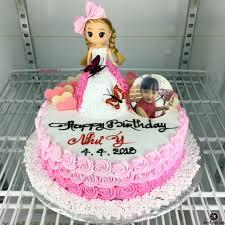 Bánh sinh nhật búp bê barbie in hình con gái đáng yêu