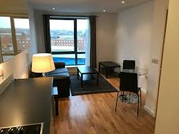 bed flat in city centre no fees