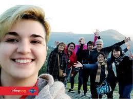 O grupo da nossa turista Priscilla Murphy numa visita ao espantoso ...