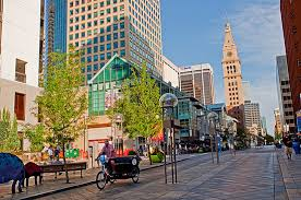 closest hotels to 16th street mall