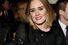 Adele, la cantante è dimagrita: quanti kg ha perso?