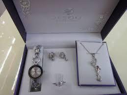 upscale lady necklace watch gift box