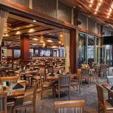 restaurants near cnn center studio tour
