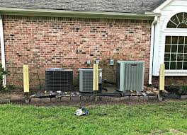Build A Removable Trellis Screen To Hide Your Air Conditioners Air Conditioner Screen Air Conditioner Hide Air Conditioner Cover