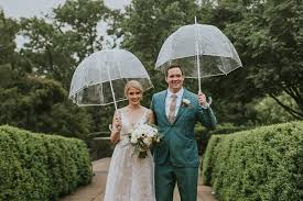 rainy day wedding at bartram s garden