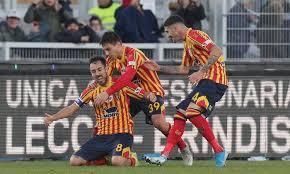 Mancosu esulta con i compagni; Lecce-Spal 1-0.