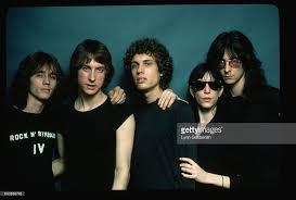 Patti Smith poses with band members Jay Daugherty, Lenny Kaye,... | Patti  smith, Patti, Poses