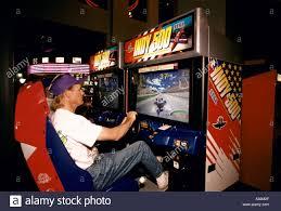 man playing indy 500 car racing game sega gallery circle centre ...