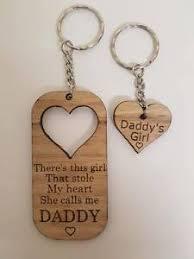 gift wooden keyring daddys dad