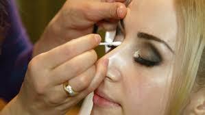 bridal makeup applying eyeshadow