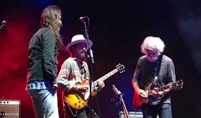Bob Weir Welcomes Chris Robinson and Jackie Greene, Sits In with ...