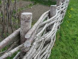 24 Unique Do It Yourself Fences That Will Define Your Yard Wattle Fence Diy Fence Cheap Fence