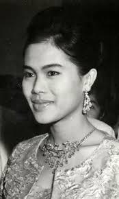 ภาพสมเด็จพระราชินี พระราชินีสิริกิติ์ รวมภาพพระราชินีกว่า 1000 ภาพ  ภาพสมเด็จพระนางเจ้าฯ ภาพเก่าในอดีต ภาพหายาก Queen Photos, Queen Sirikit pi…  | ภาพหายาก, ภาพ, อดีต