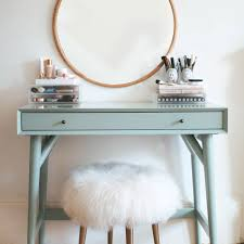 10 awesome ideas for a beauty vanity