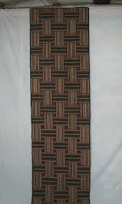ribbon pattern hooked rug runner with