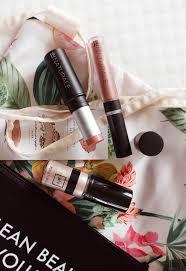 au naturale clean non toxic makeup