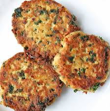 crispy salmon cakes made with canned